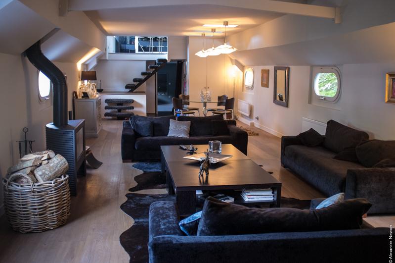 bien vivre sur une peniche a paris 5 acheter une p niche quels profits et quelles. Black Bedroom Furniture Sets. Home Design Ideas