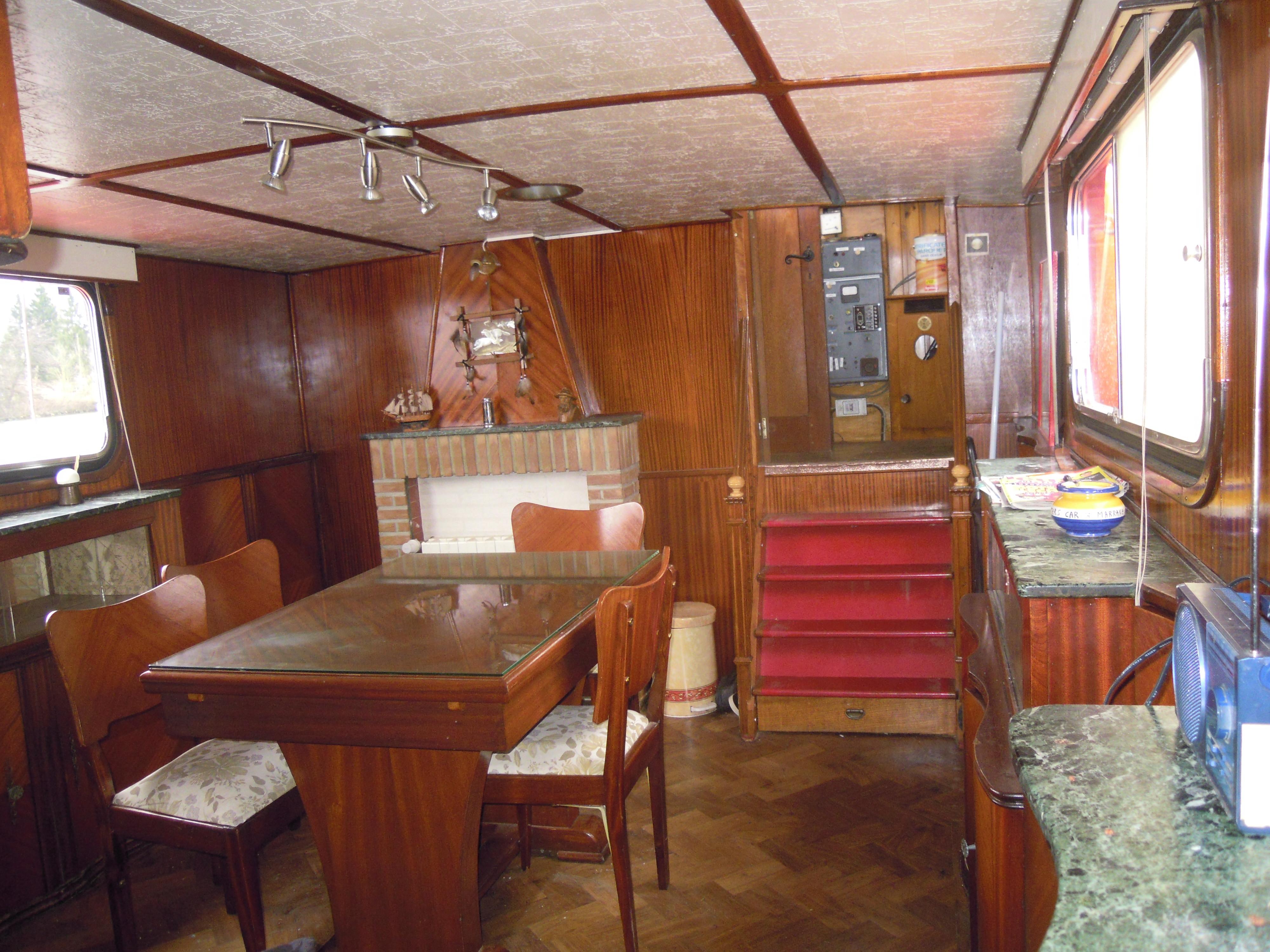 freycinet navigante am nag e 60 seine plus sp cialiste du bateau logement p niche d. Black Bedroom Furniture Sets. Home Design Ideas