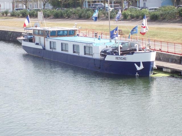 bateau construit en 2000 pour canal du midi 62 seine plus sp cialiste du bateau logement. Black Bedroom Furniture Sets. Home Design Ideas