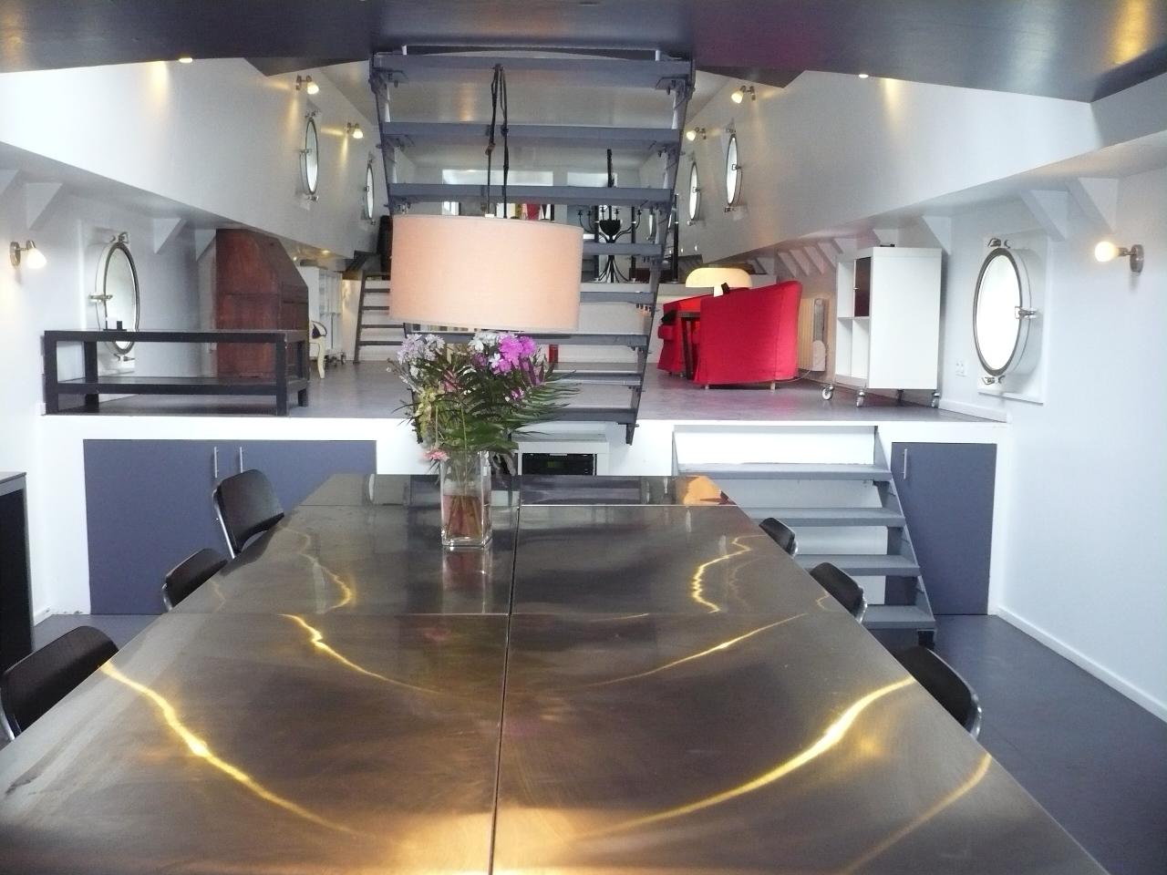 magnifique freycinet am nag e sur 2 niveaux 92 seine plus sp cialiste du bateau logement. Black Bedroom Furniture Sets. Home Design Ideas